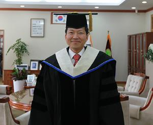 Alumnus Namgi Park Shapes Present and Future Korean Education
